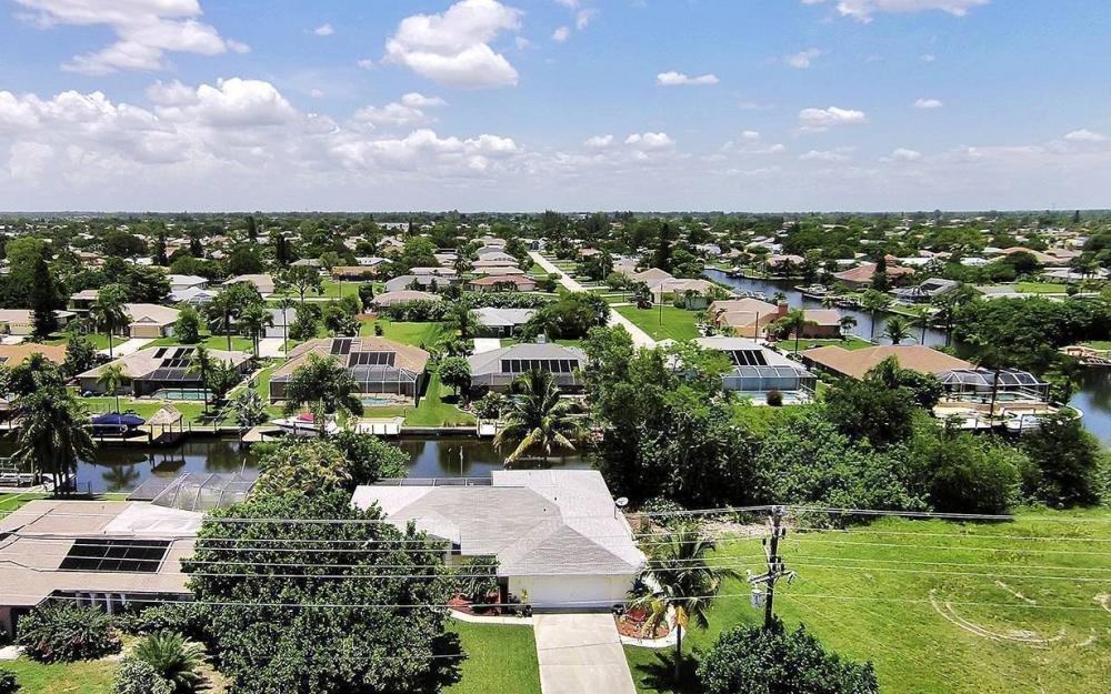 211 SW 40 St, Cape Coral - House For Sale 2143007040