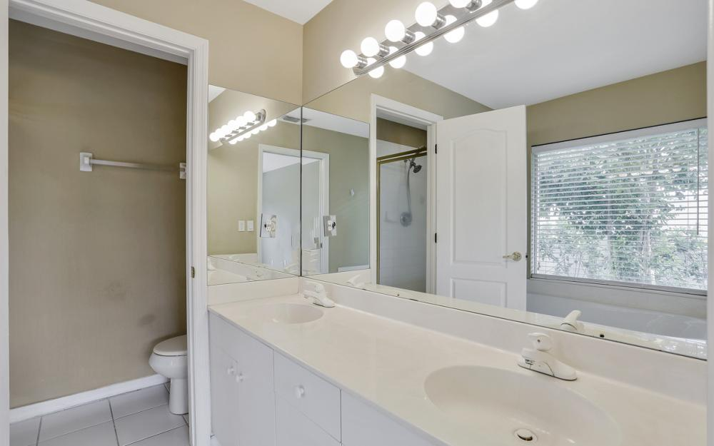 13270 Highland Chase Pl, Fort Myers - Home For Sale 437579246