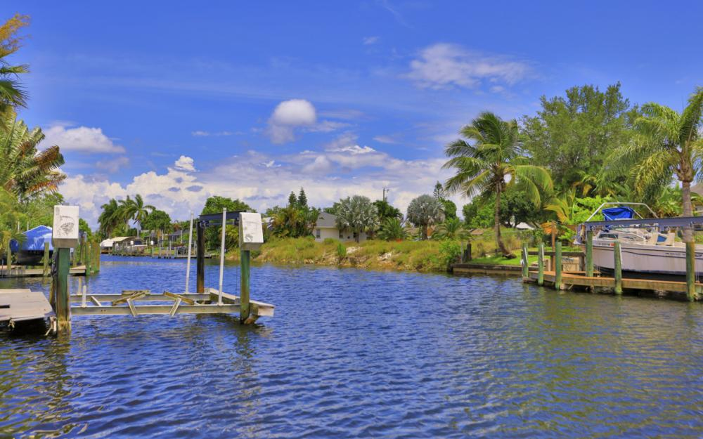 238 SW 42nd St, Cape Coral - Home For Sale 474007544