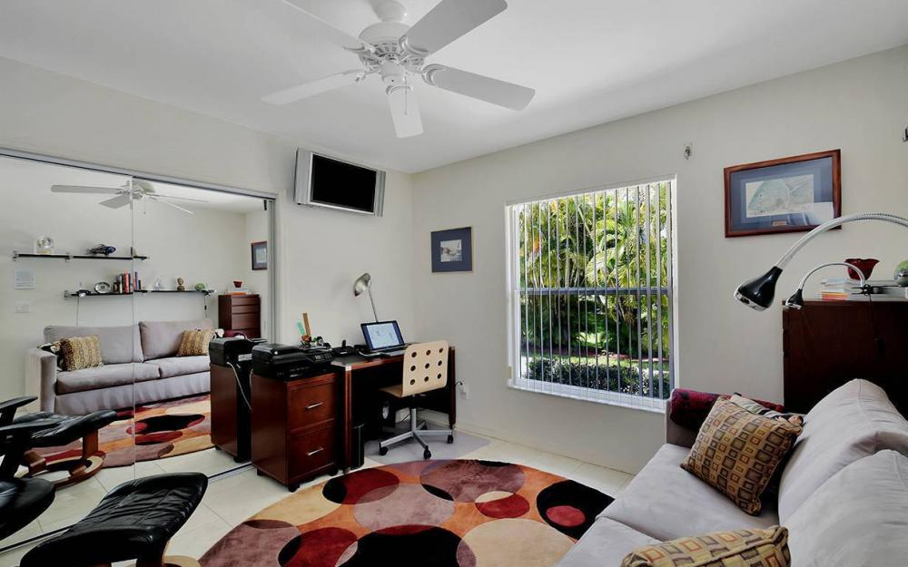 1655 Briarwood Ct, Marco Island - House For Sale 560479825
