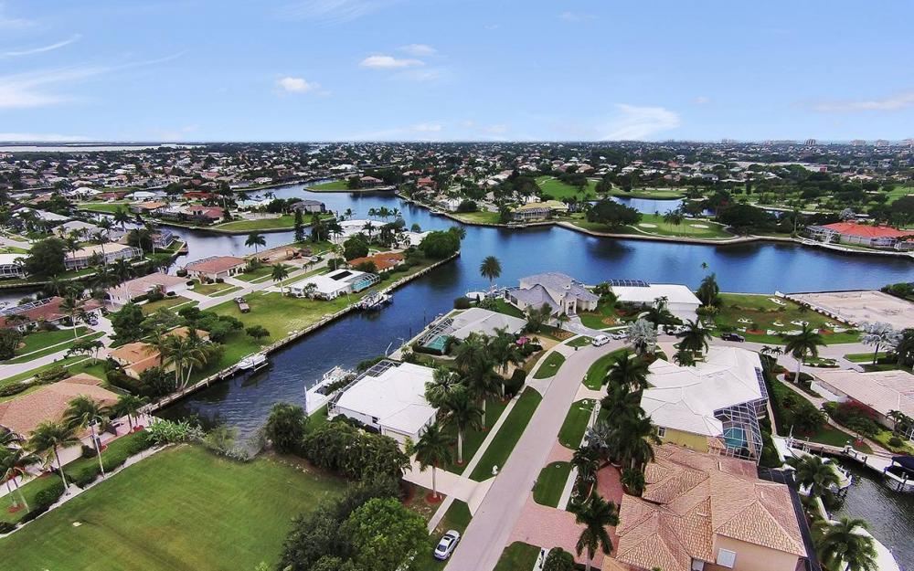 1655 Briarwood Ct, Marco Island - House For Sale 1170052198