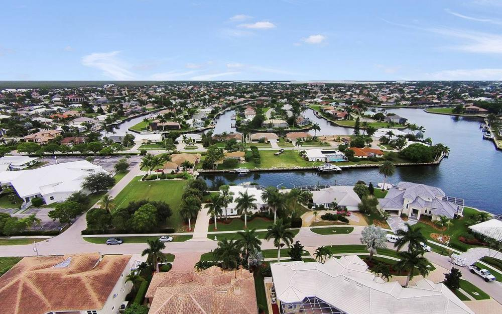 1655 Briarwood Ct, Marco Island - House For Sale 1304914071