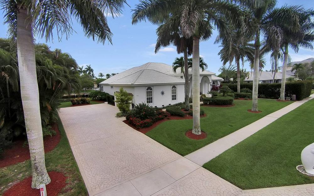 1655 Briarwood Ct, Marco Island - House For Sale 1501995194