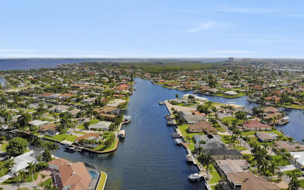 5201 Skylark Ct, Cape Coral - Home For Sale 1784006357