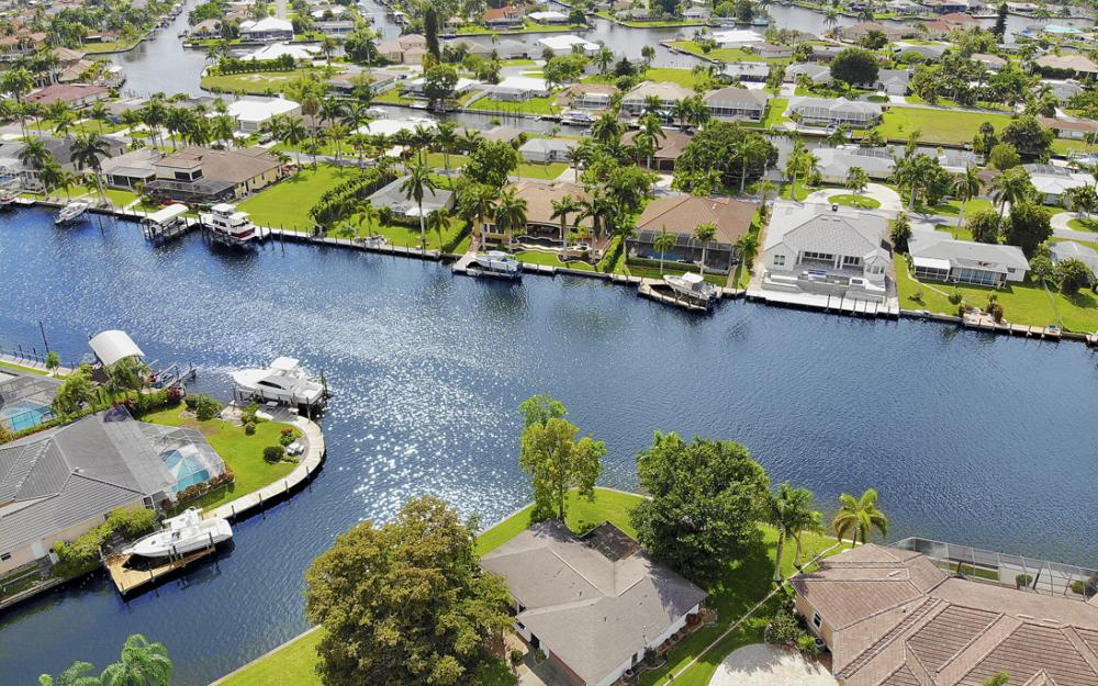 5201 Skylark Ct, Cape Coral - Home For Sale 1118483039