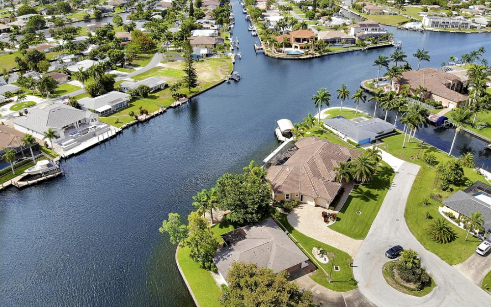 5201 Skylark Ct, Cape Coral - Home For Sale 2002428420