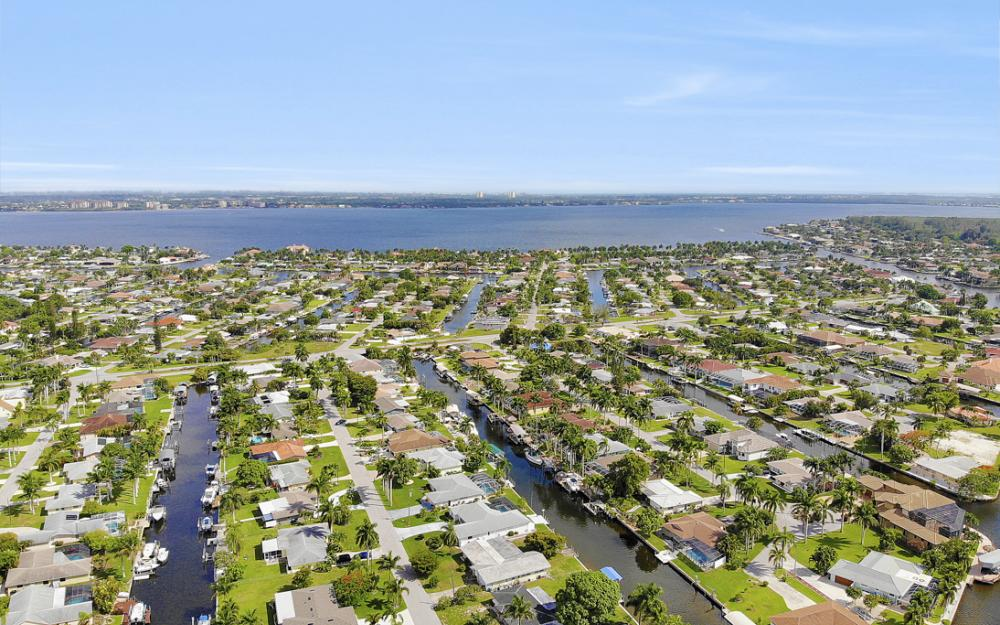 5201 Skylark Ct, Cape Coral - Home For Sale 1021620547