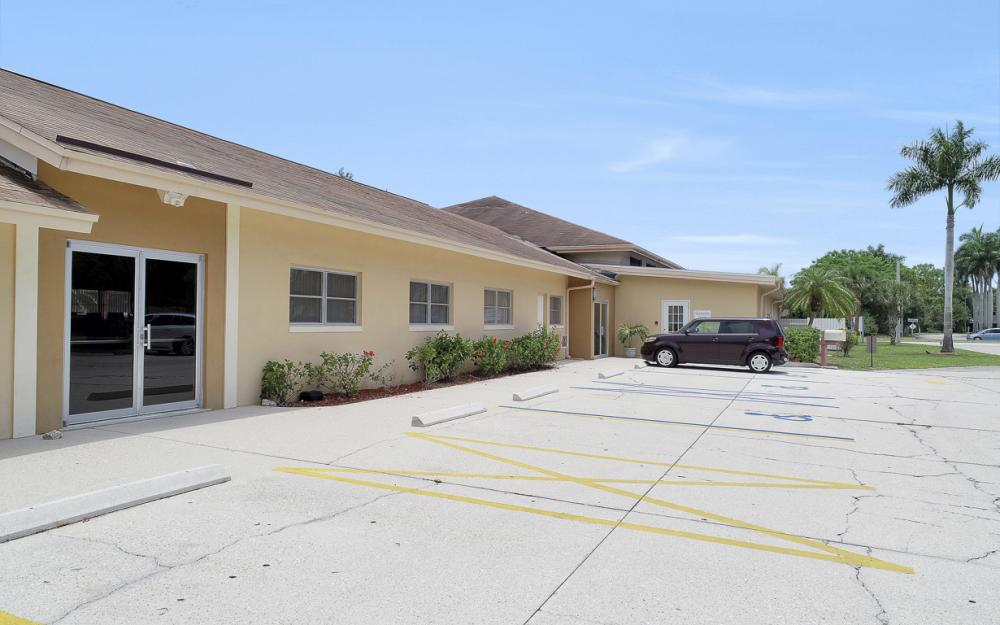 7800 College Pkwy, Fort Myers - Commercial Building For Sale 1561749456