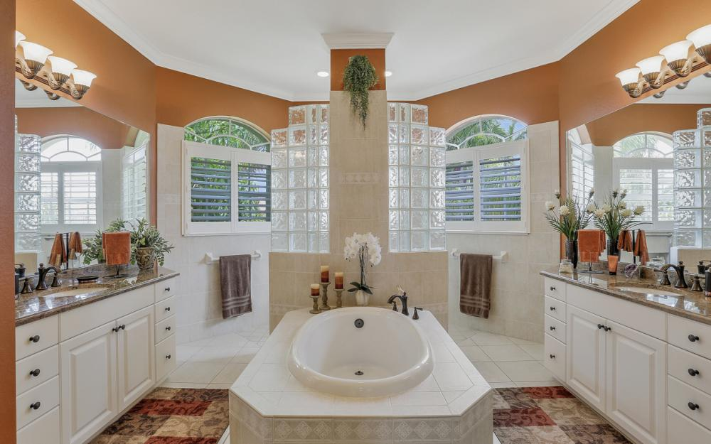 619 SW 53rd Terrace, Cape Coral - Home For Sale 1030584190