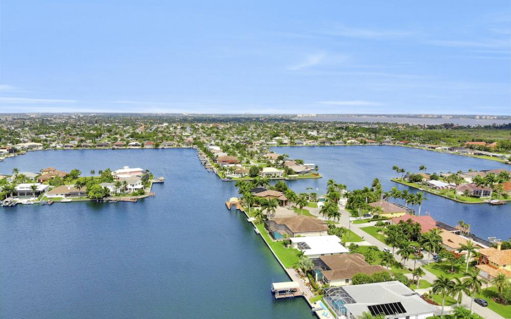 619 SW 53rd Terrace, Cape Coral - Home For Sale 310607151