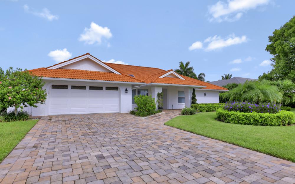 2496 Kings Lake Blvd, Naples - Vacation Rental 923244845