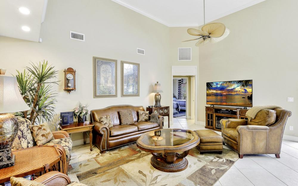 910 Olive Ct, Marco Island - Vacation Rental 2129019021