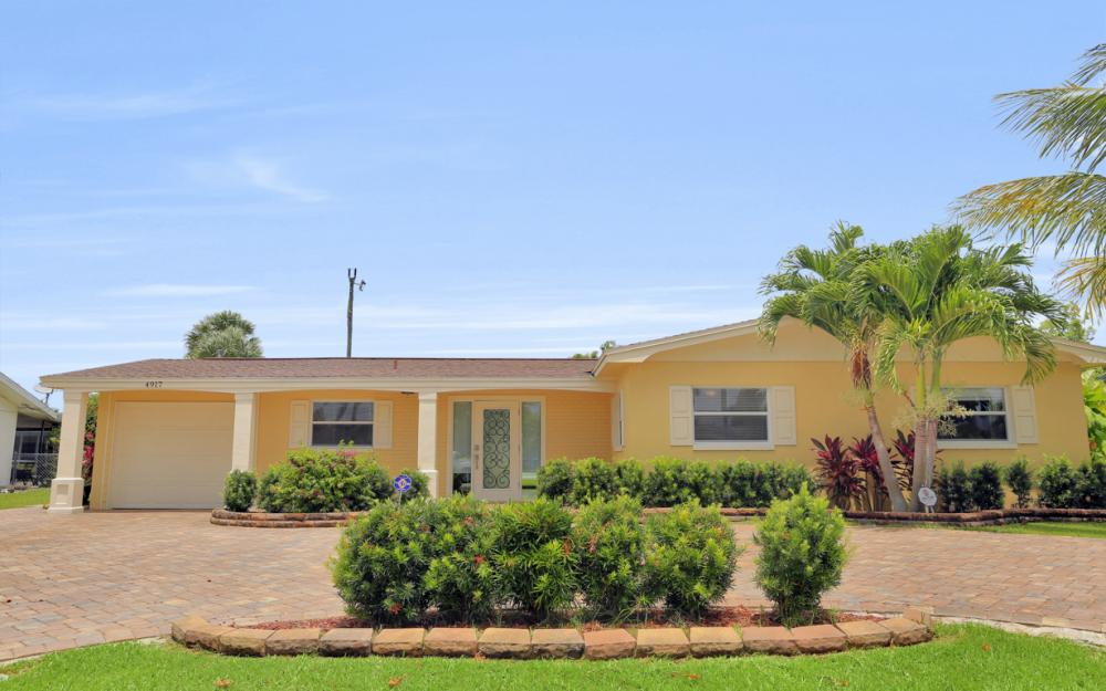 4917 Edith Esplanade, Cape Coral - Home For Sale 635096631
