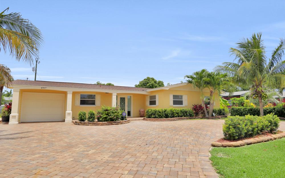 4917 Edith Esplanade, Cape Coral - Home For Sale 999939661