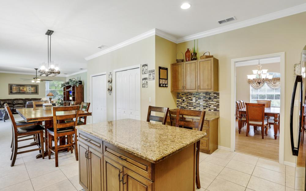 1813 Piccadilly Cir Cape Coral - Home For Sale 1266747936