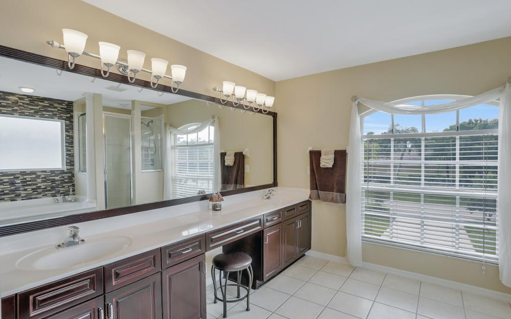 1813 Piccadilly Cir Cape Coral - Home For Sale 835556687