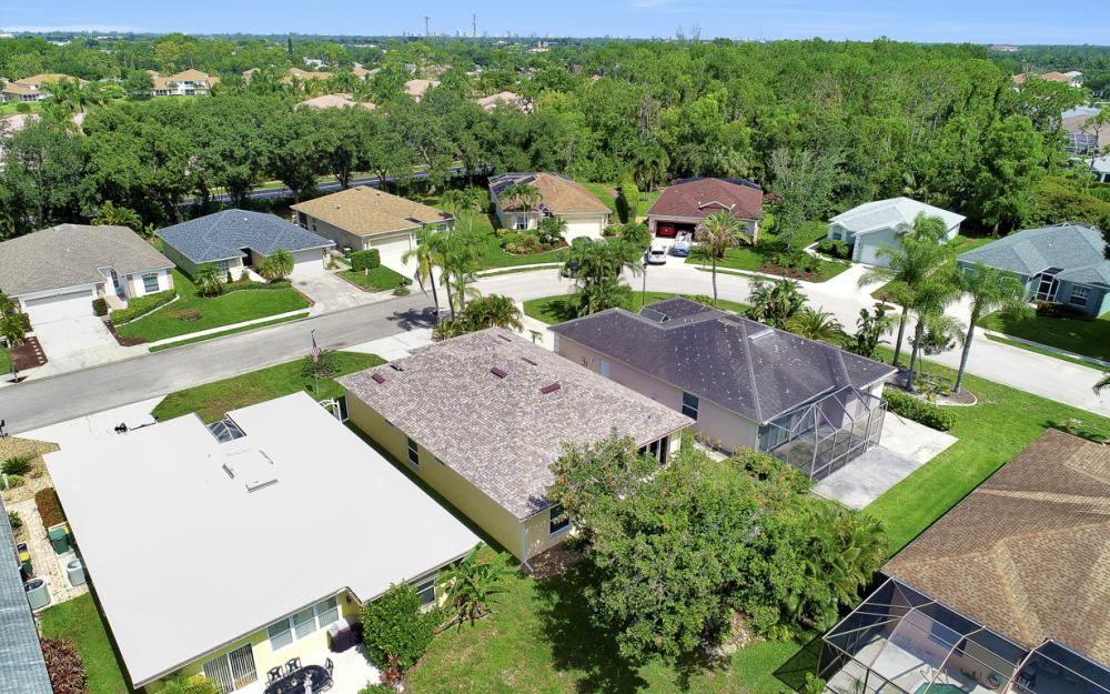 133 Stanhope Cir, Naples - Home For Sale 832407261