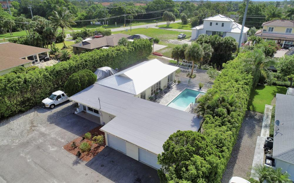 27031 Flossmoor Dr, Bonita Springs - Home For Sale 2145606963
