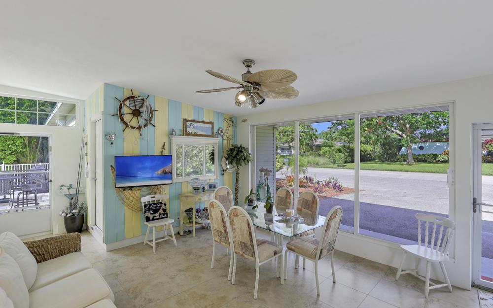 27031 Flossmoor Dr, Bonita Springs - Home For Sale 658471048