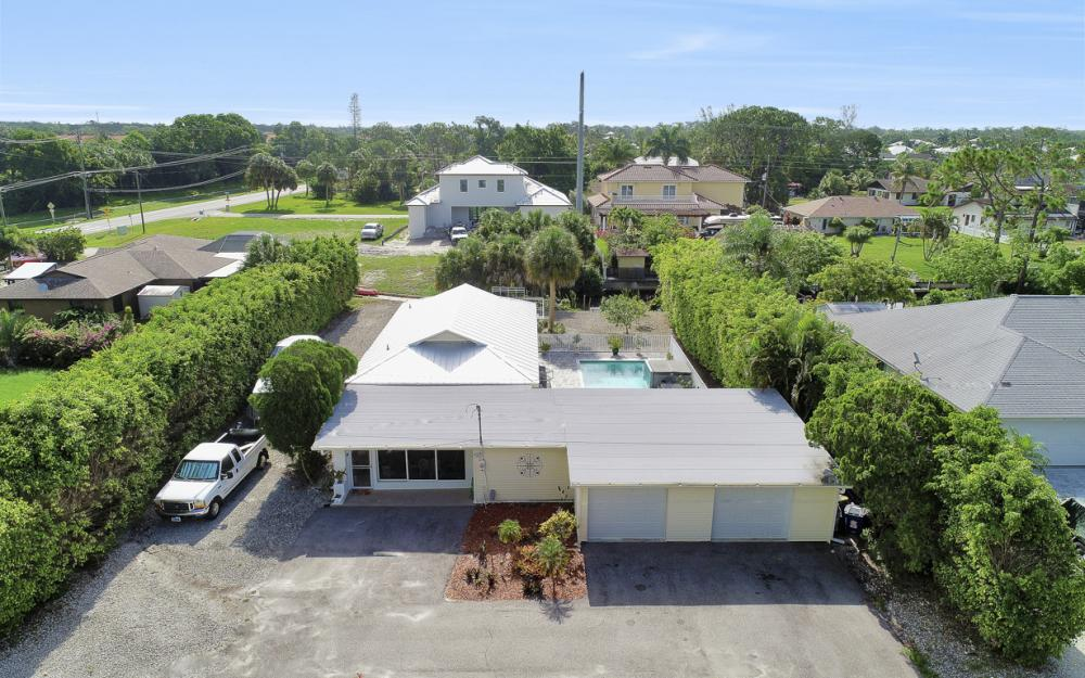 27031 Flossmoor Dr, Bonita Springs - Home For Sale 1537275540