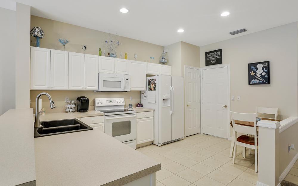 8390 Village Edge Cir. #4, Fort Myers - Condo For Sale 1332628873
