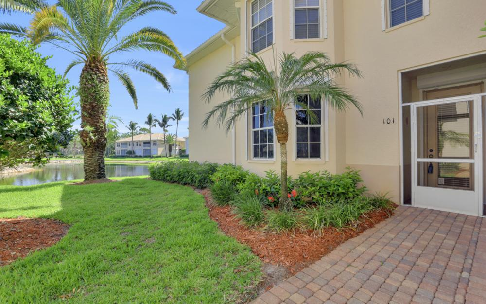 3300 S Coconut Island Dr #101, Bonita Springs - Condo For Sale 1724639910