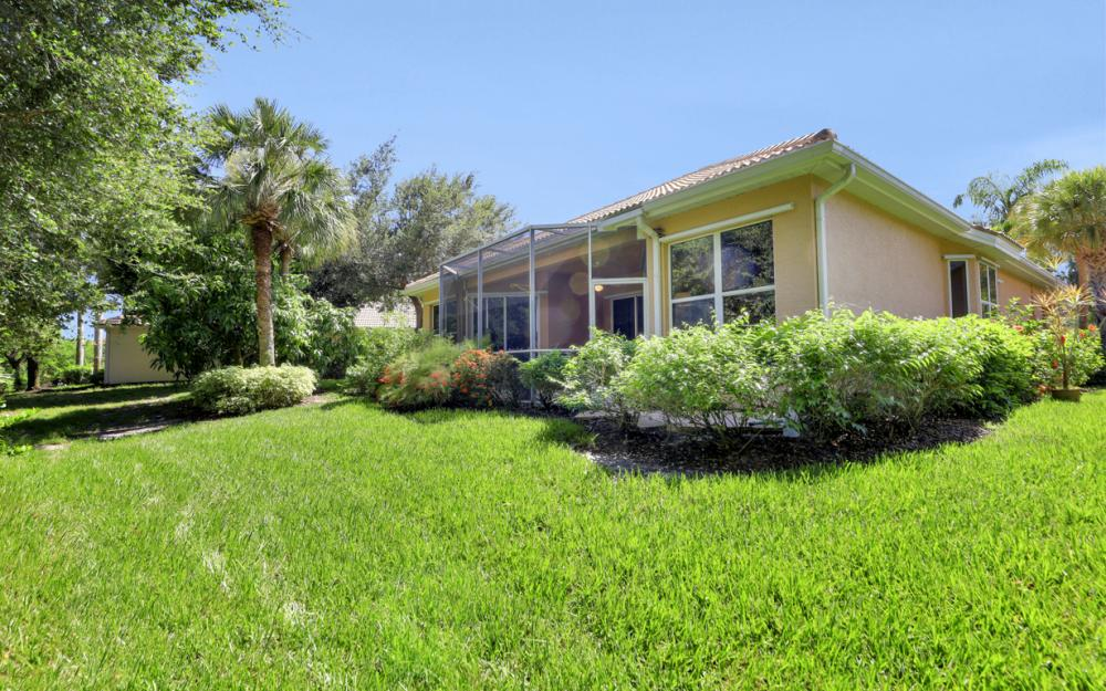 6203 Ashwood Ln, Naples - Home For Sale 879426207
