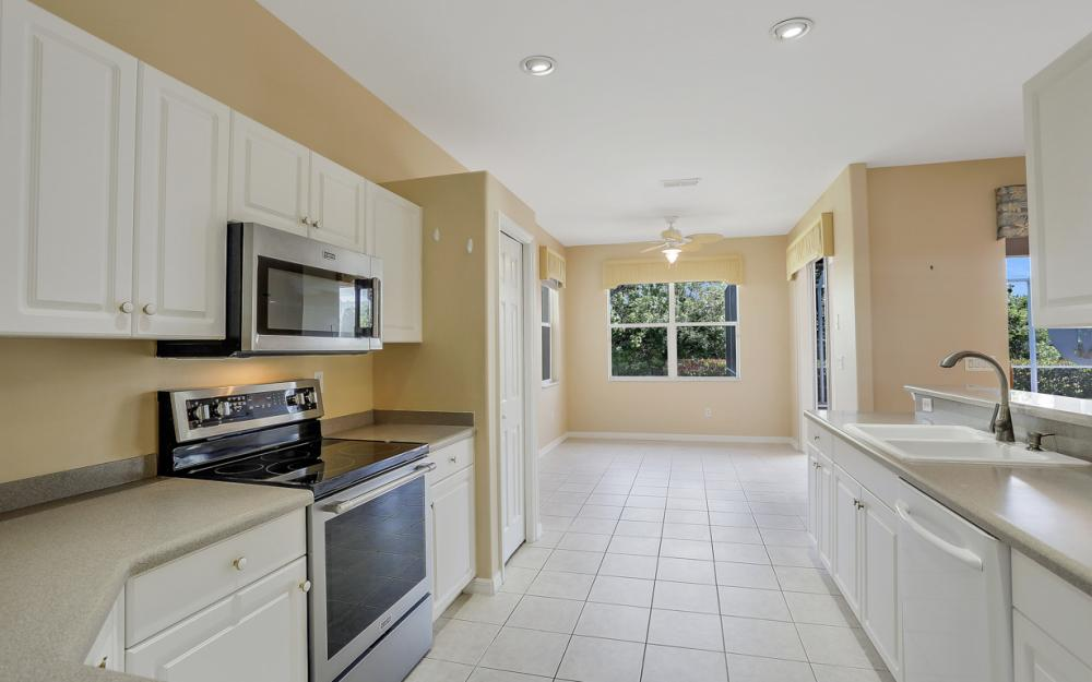 9340 Palm Island Cir, North Fort Myers - Home For Sale 1784048979