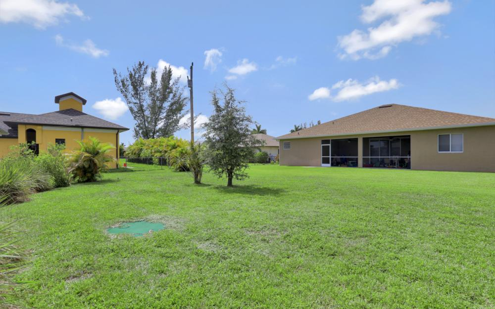 223 SE 30th St, Cape Coral - Home For Sale 1327098361