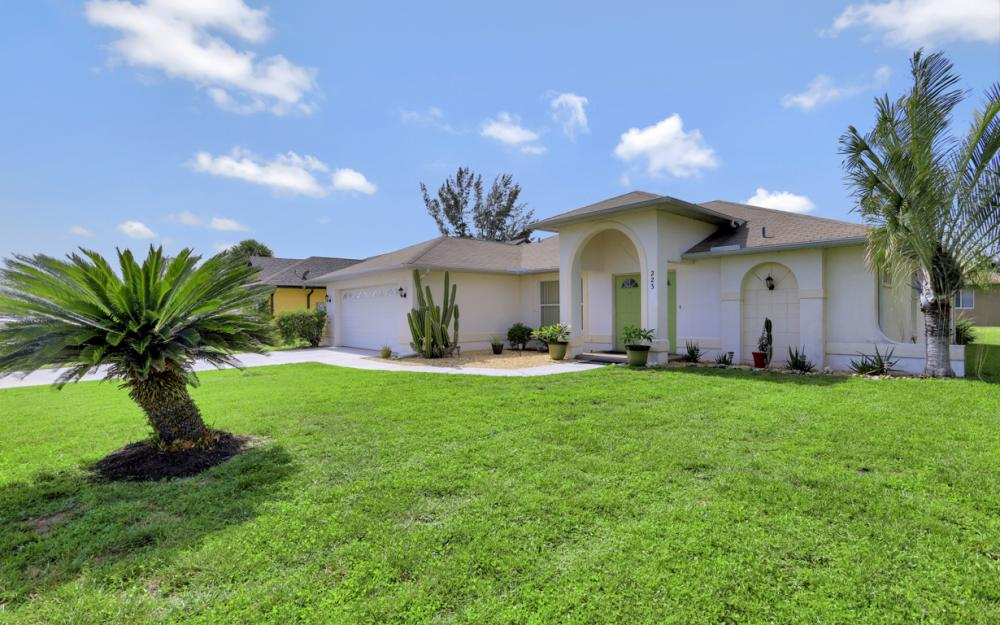 223 SE 30th St, Cape Coral - Home For Sale 1907945218