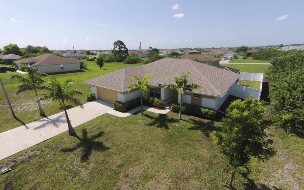 1116 NW 15th Ter, Cape Coral - House For Sale 2044079297