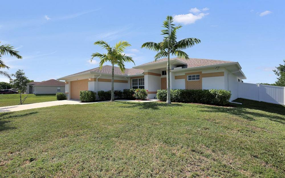 1116 NW 15th Ter, Cape Coral - House For Sale 2016456459