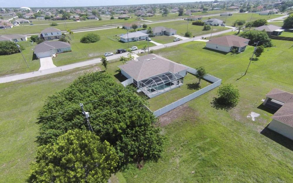 1116 NW 15th Ter, Cape Coral - House For Sale 1360179098