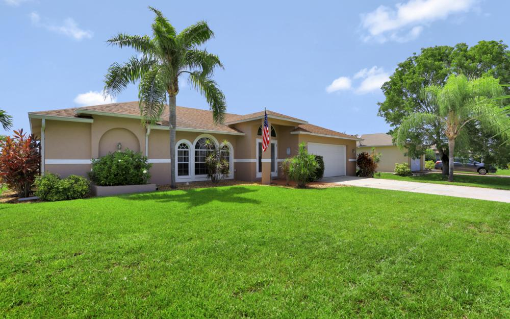 3832 SW 20th Ave, Cape Coral - Home For Sale 496546302