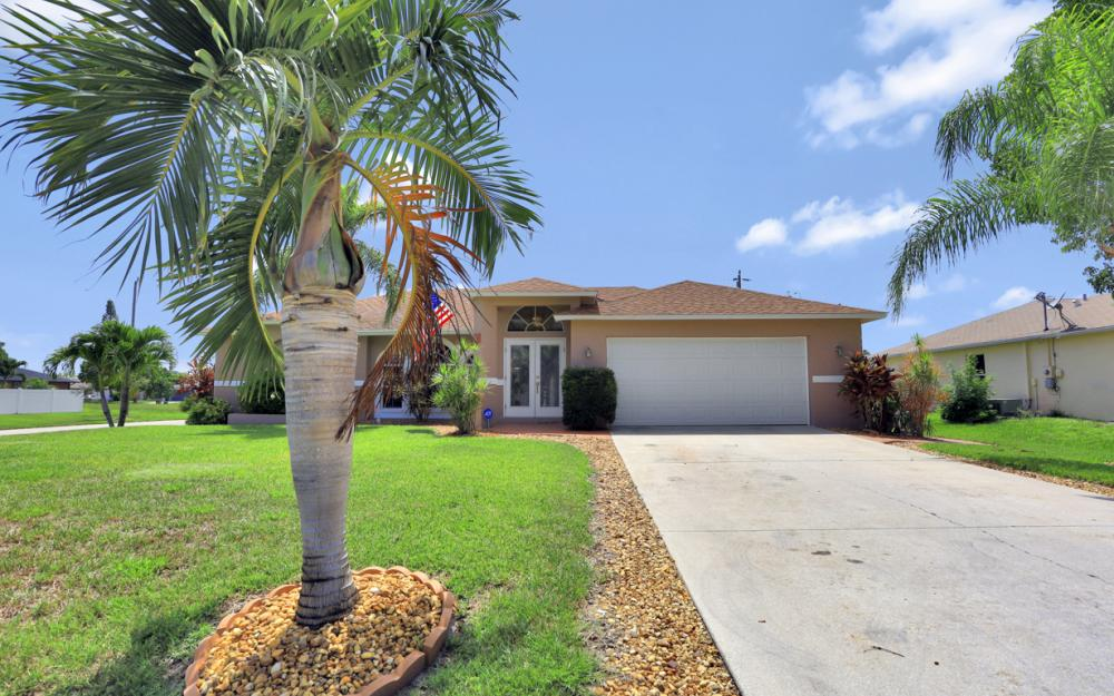 3832 SW 20th Ave, Cape Coral - Home For Sale 557201193