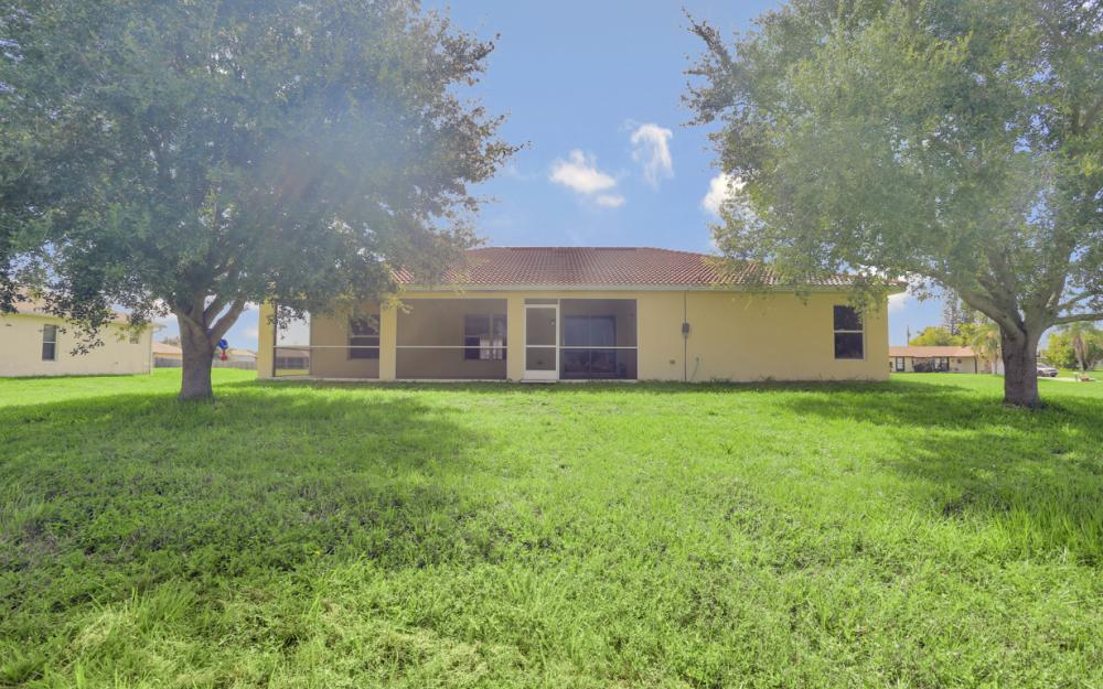 1420 NW 7th Pl, Cape Coral - Home For Sale 1005041580