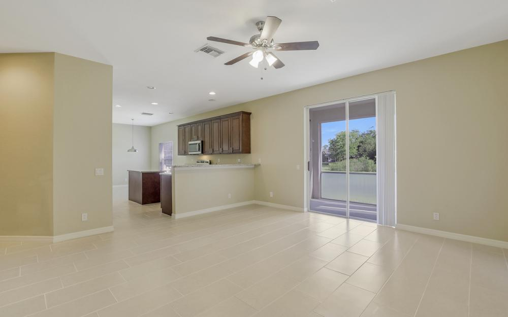 8989 Falcon Pointe Loop, Fort Myers - Home For Sale 308713289