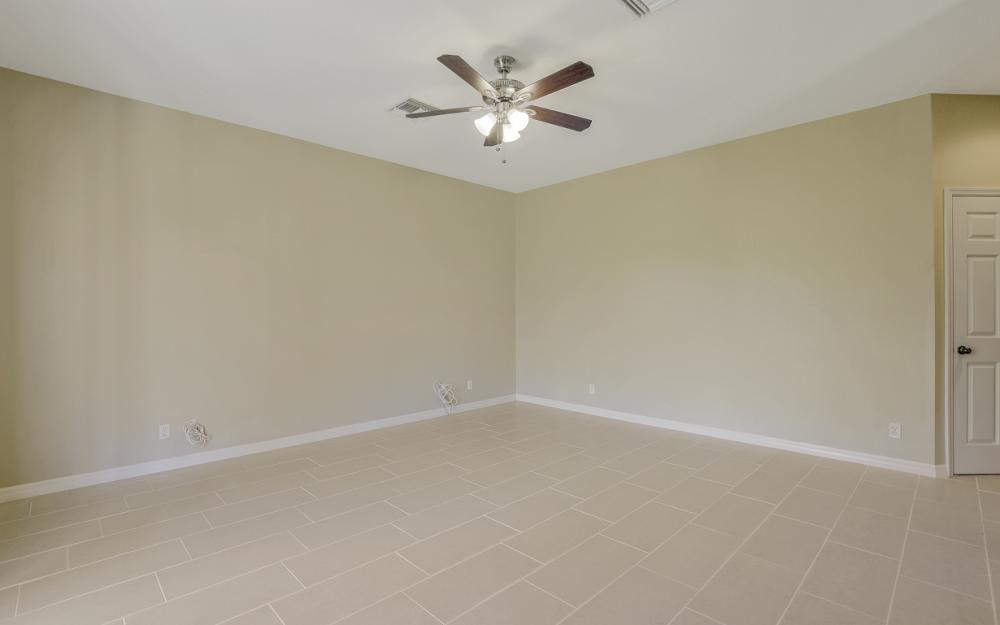 8989 Falcon Pointe Loop, Fort Myers - Home For Sale 926641801