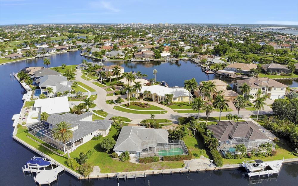 1649 Briarwood Ct Marco Island - Home For Sale 2133032942