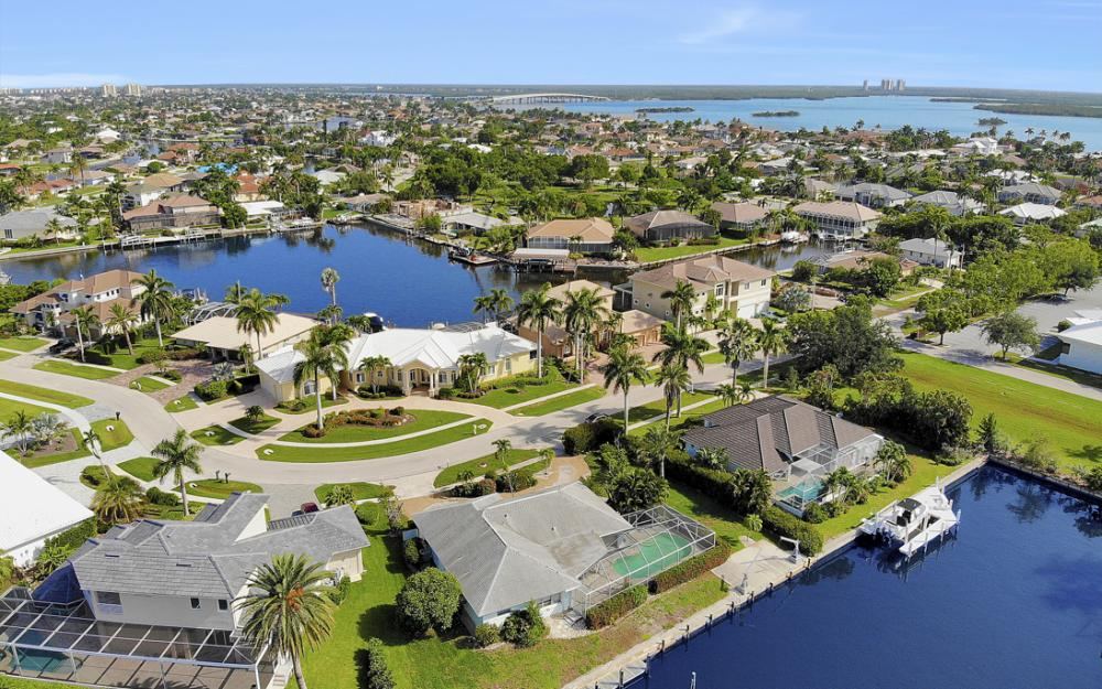 1649 Briarwood Ct Marco Island - Home For Sale 675675054