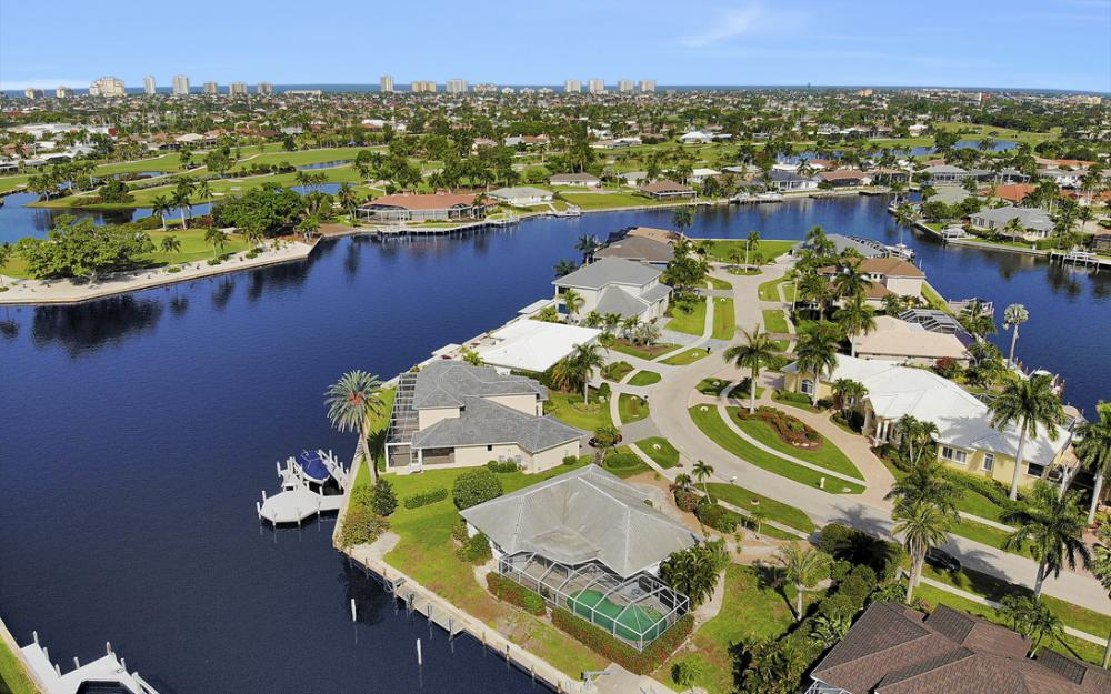 1649 Briarwood Ct Marco Island - Home For Sale 241691425