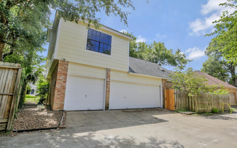 906 Daria Dr, Houston - Home For Sale 938087604