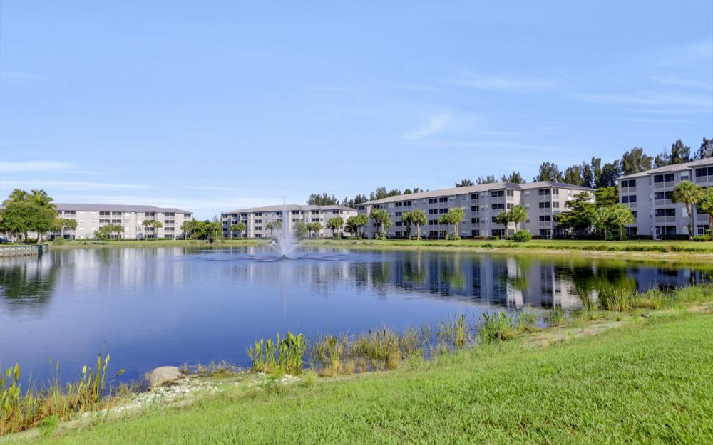 16625 Lake Cir Dr #536, Fort Myers - Condo For Sale 226225140