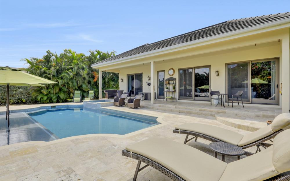 535 Riviera Dr, Naples - Home For Sale 531675225