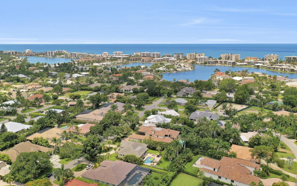 535 Riviera Dr, Naples - Home For Sale 1446792846