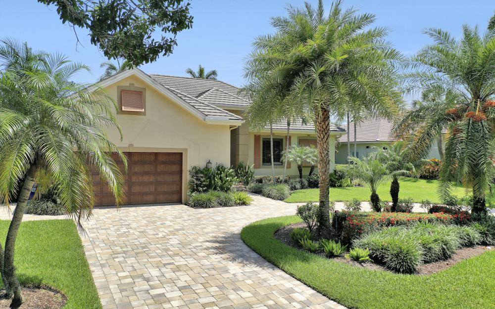 535 Riviera Dr, Naples - Home For Sale 753165395