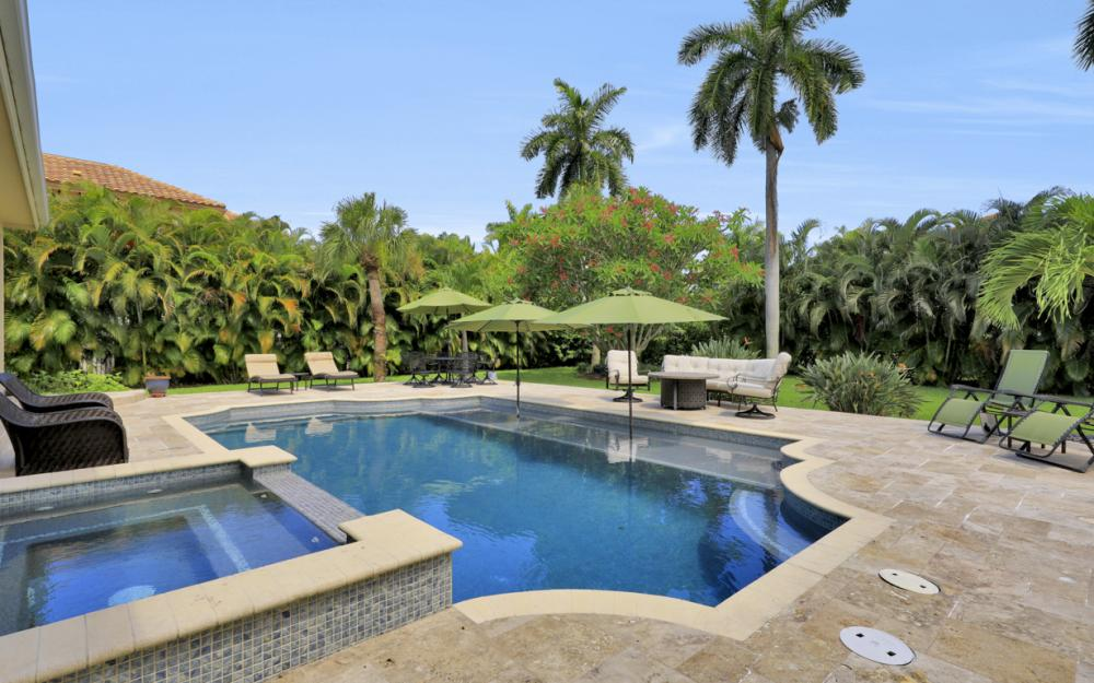 535 Riviera Dr, Naples - Home For Sale 619179745