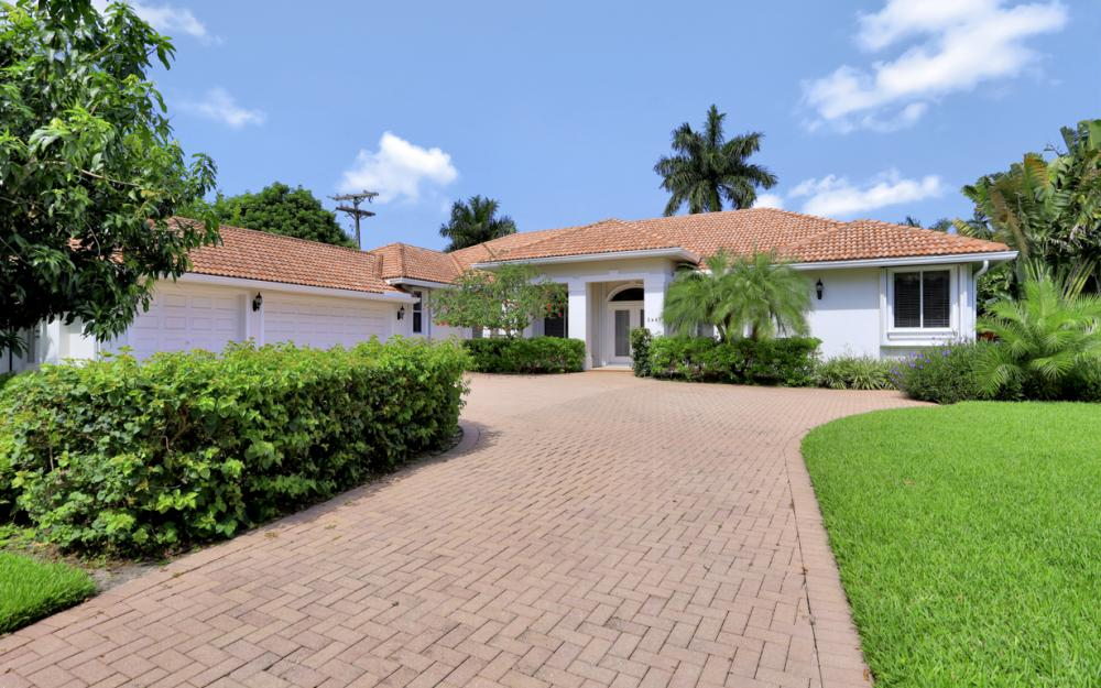 2467 Crayton Rd, Naples - Home For Sale 1170188213