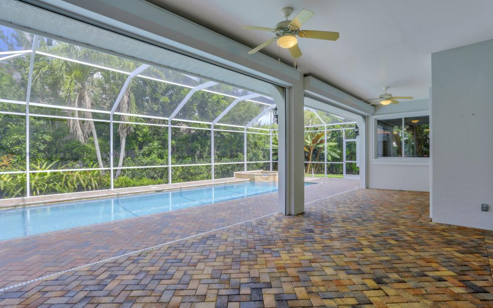 2467 Crayton Rd, Naples - Home For Sale 79493400