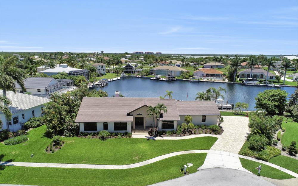 61 Peach Ct, Marco Island - Home For Sale 1087788254